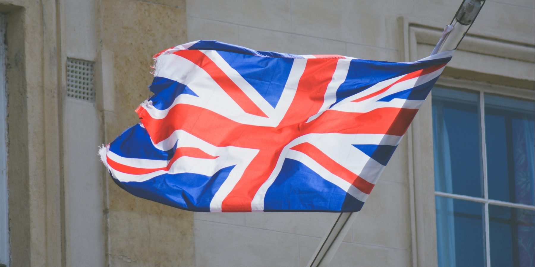 UK_flag-photo-1464021025634-49b81a77a858