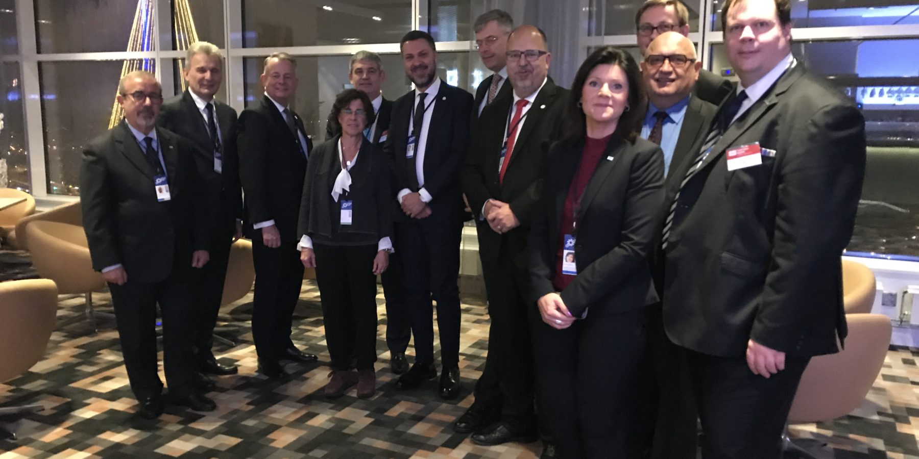 The trade union delegationto the extraordinary Tripartite Social Summit 16 November 2017. Martin Jefflén, Eurocadres furthest to the right.