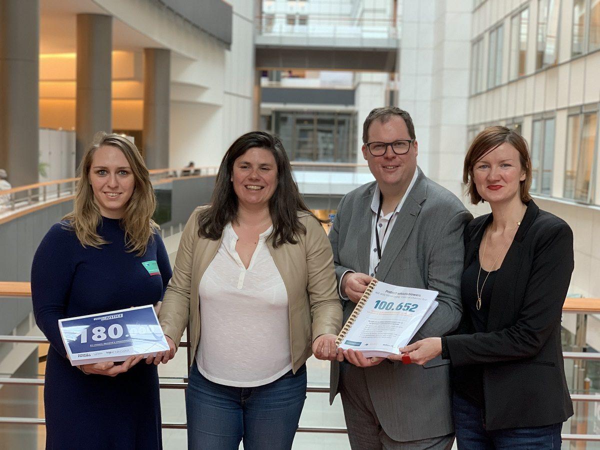 petition_beurocadres_wemove_blueprint_roziere