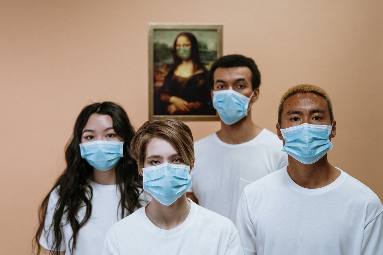 health-workers-wearing-face-mask-3957987